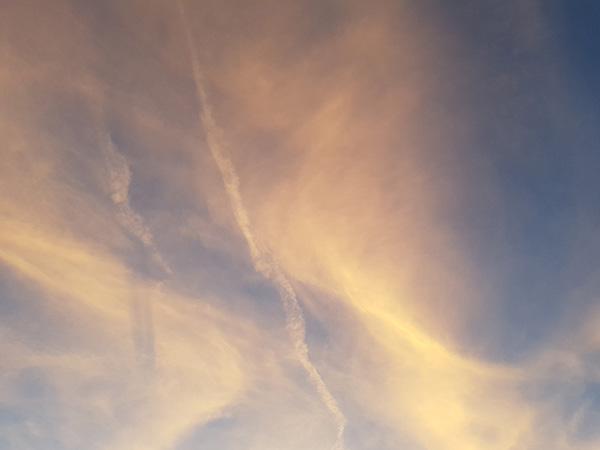 hypnose, geel blauwe wolkenlucht, hypno therapie, hypnotherapeut